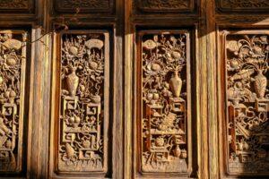 Holzverzierung in der Altstadt von Shangrila, Yunnan
