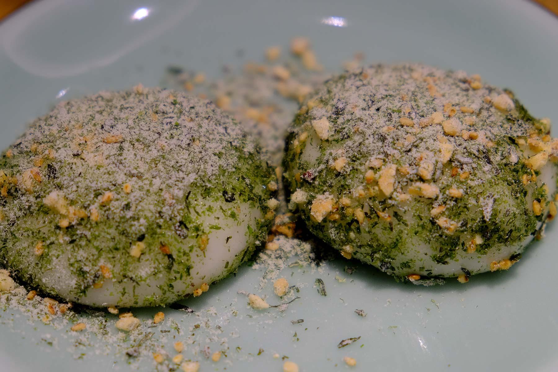 Klebreiskuchen mit Seetang und Zucker in Ningbo, China
