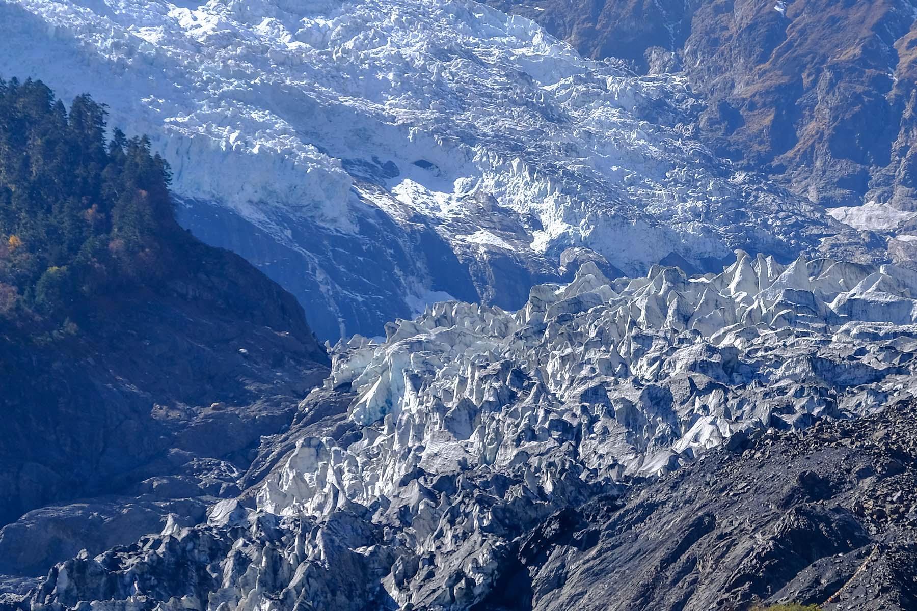 Mingyong Gletscher in Yunnan, China im Herbst