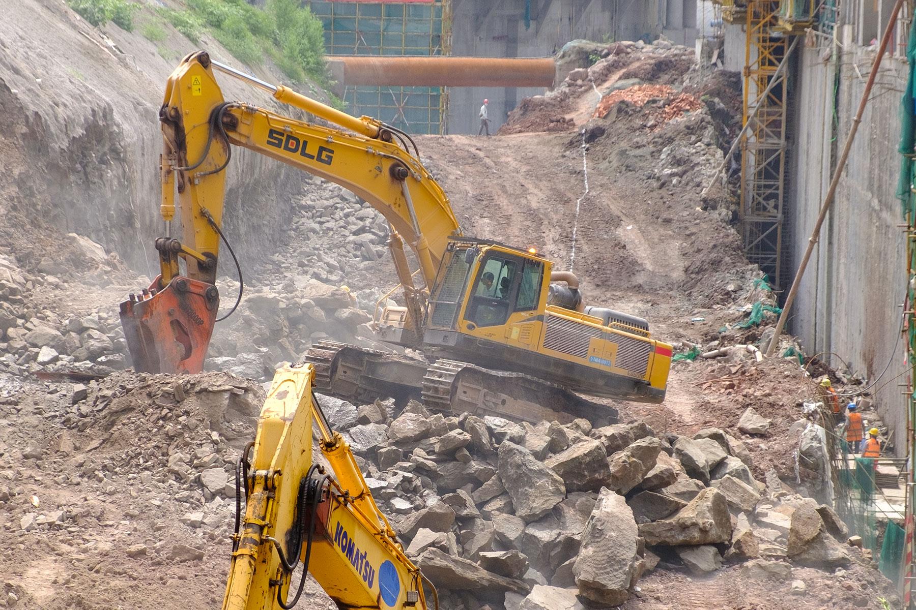 Baustelle mit Fahrzeugen in Chongqing
