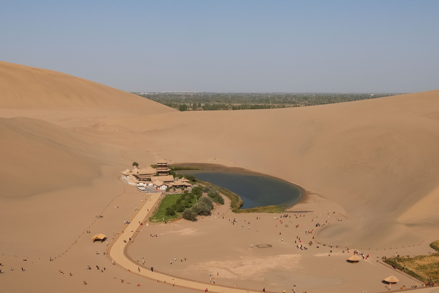 Halbmond See in der Mingsha Wüste in Dunhuang in China