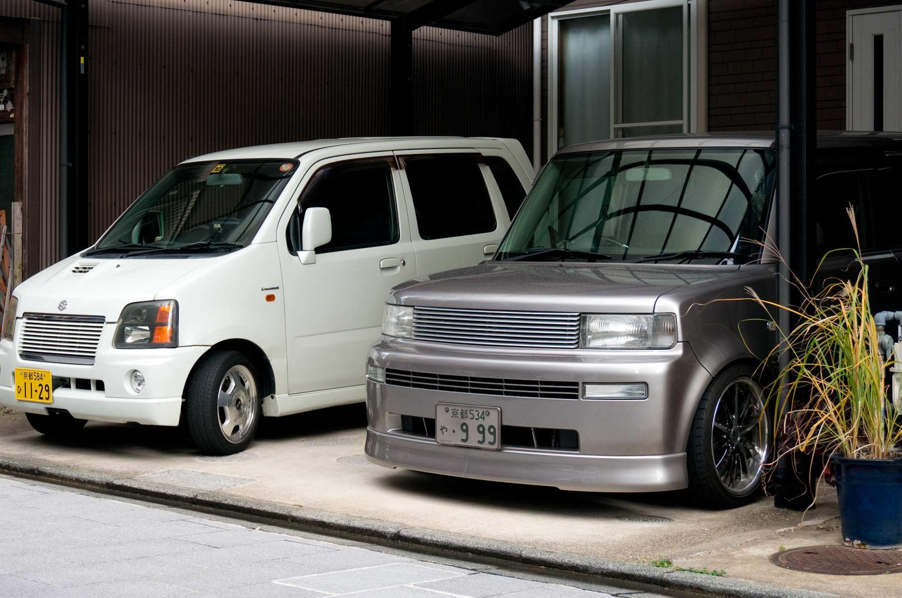Suzuki und Scion in Osaka, Japan
