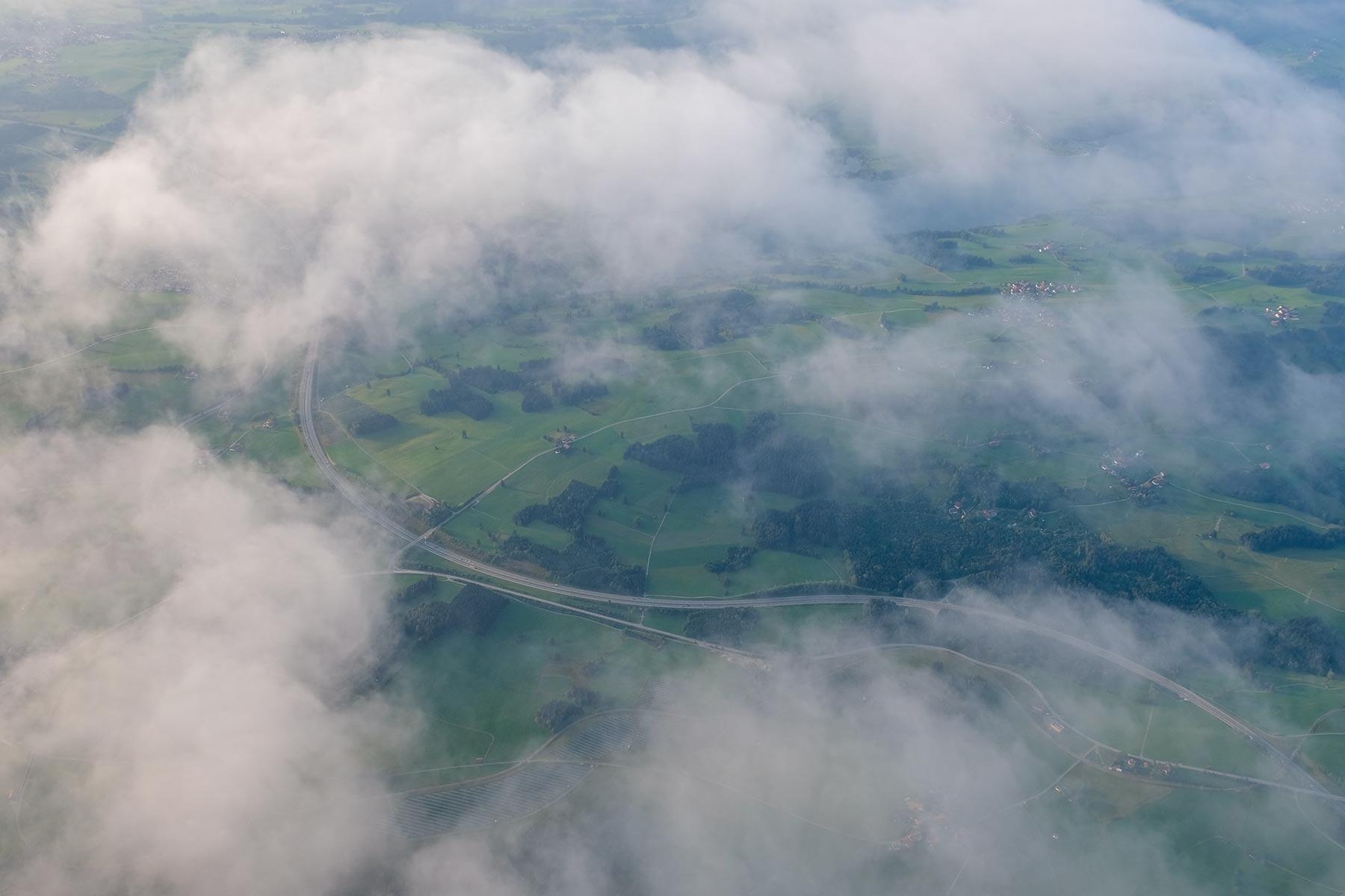 Blick auf die Wolken aus dem Allgäuer Büble Bier Ballon