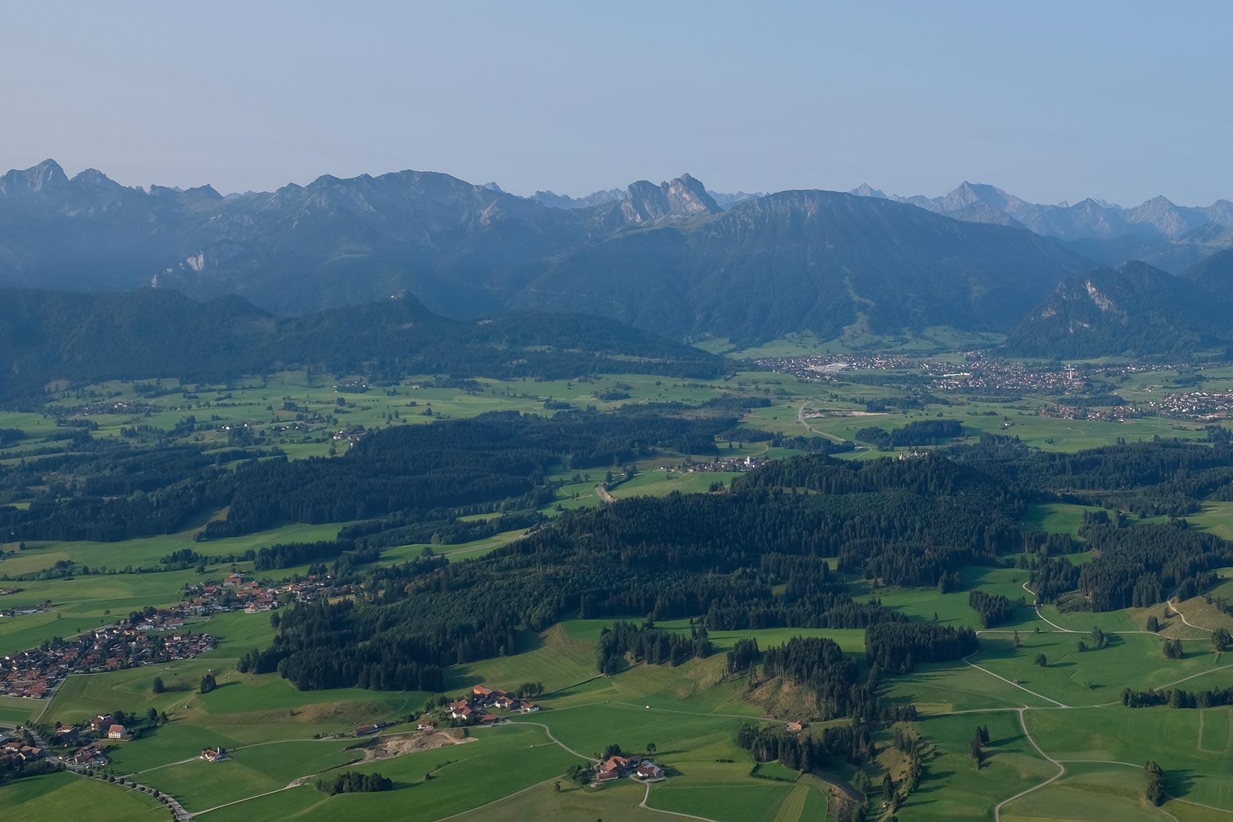 Blick auf die Alpen und das Vorland aus dem Allgäuer Büble Bier Ballon