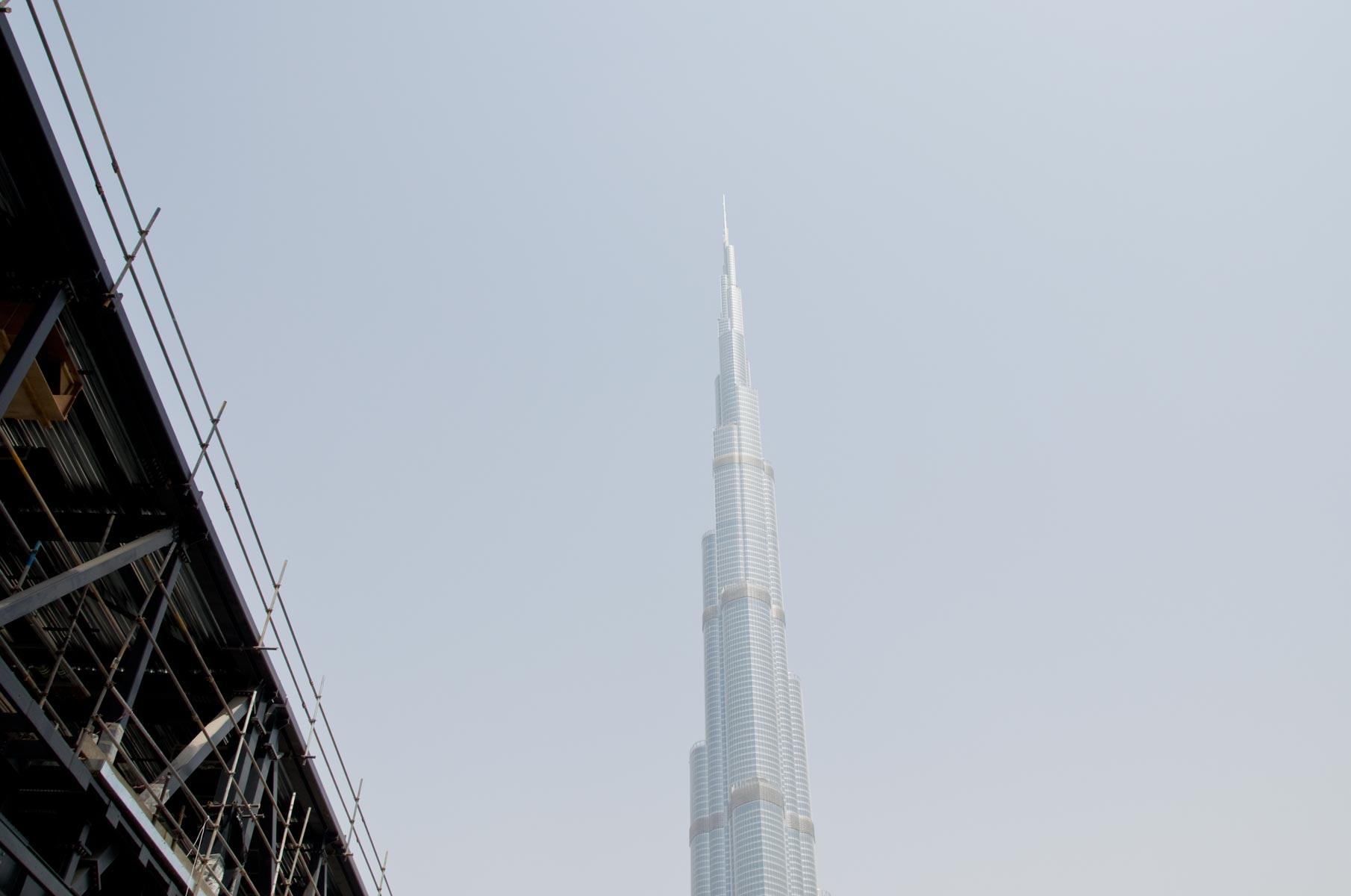 Burj Khalifa in Dubai im Sommer