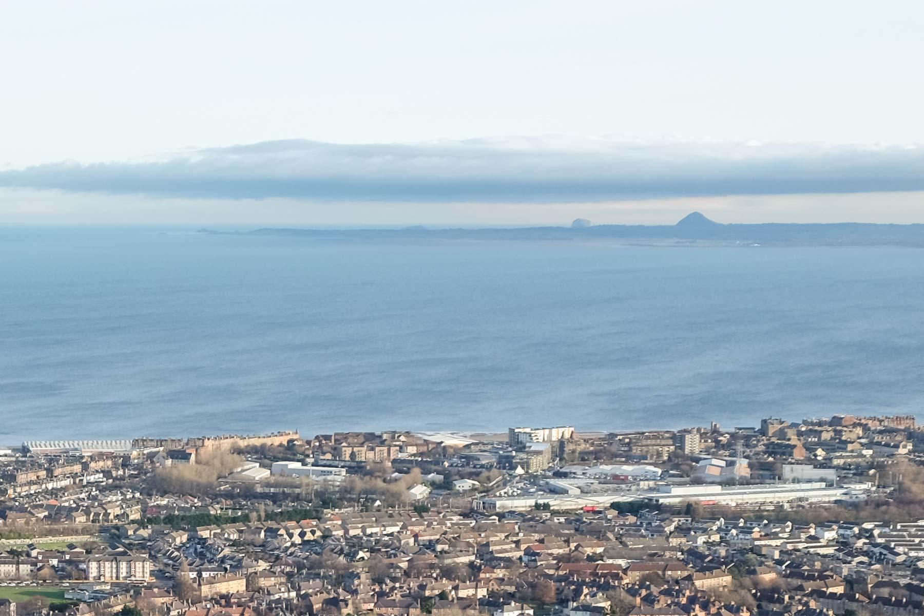 Blick auf den Bass Rock in Edinburgh, Schottland