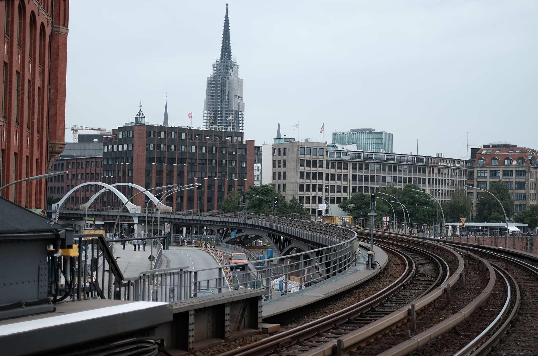 U-Bahn Haltestelle Baumwall in Hamburg