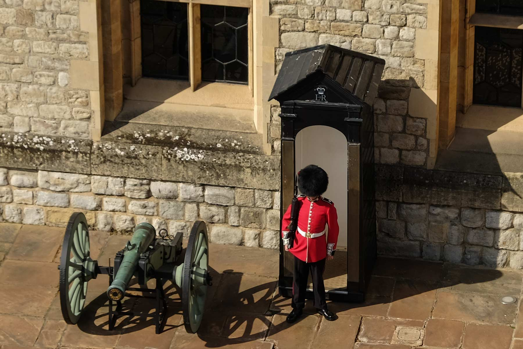 Queens Guard im Tower of London in London, England