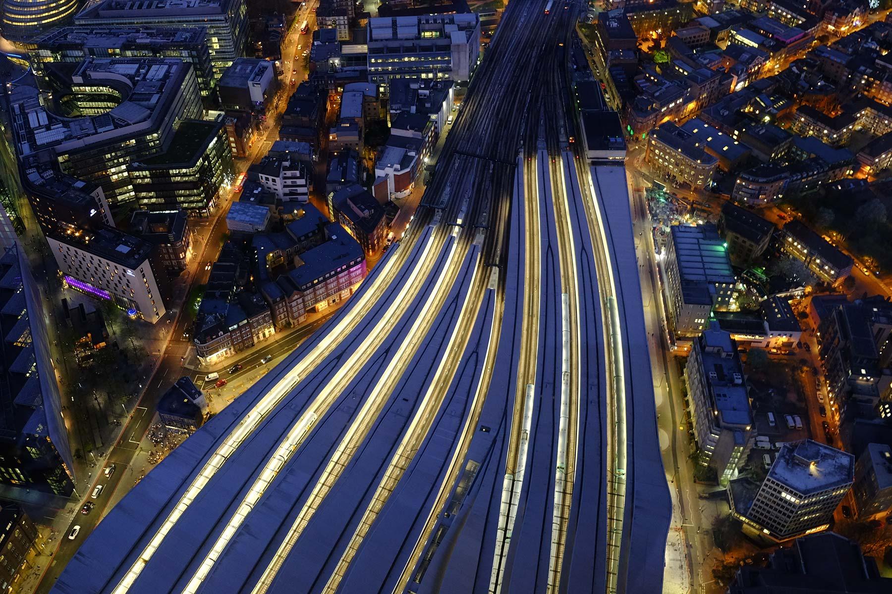 Nacht Blick vom The Shard in London, England