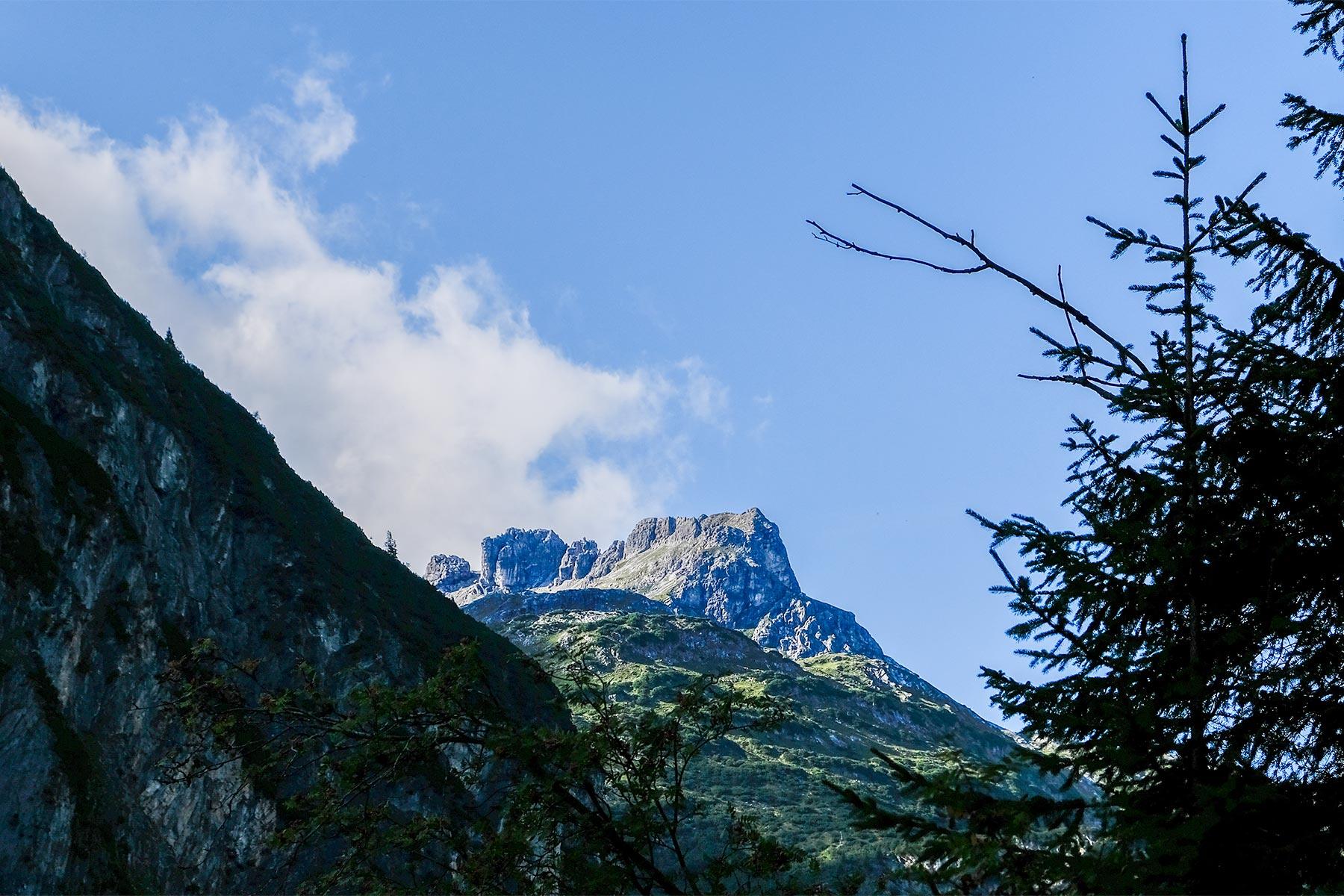HDR Aufnahme in den Bergen bei Holzgau, Österreich