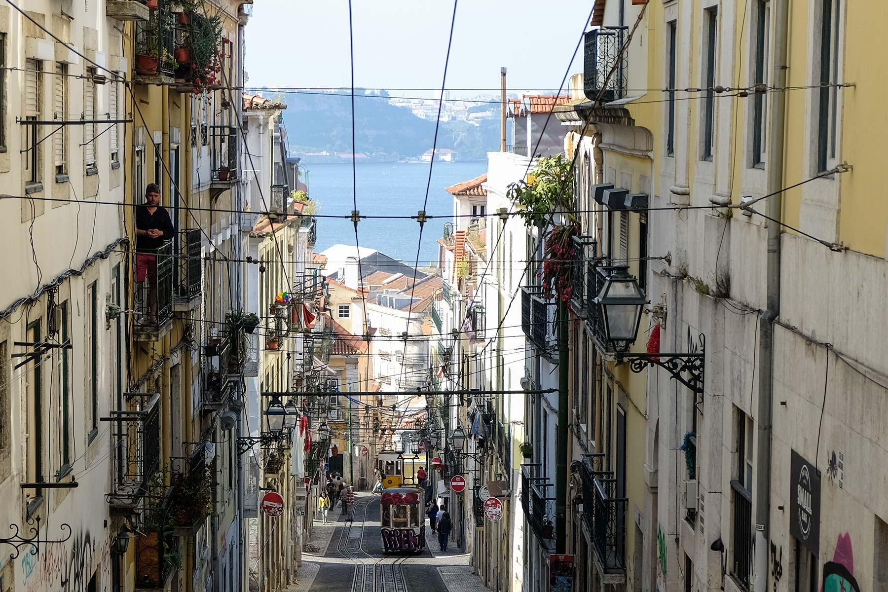 Standseilbahn Bica am Largo do Calhariz in Lissabon, Portugal