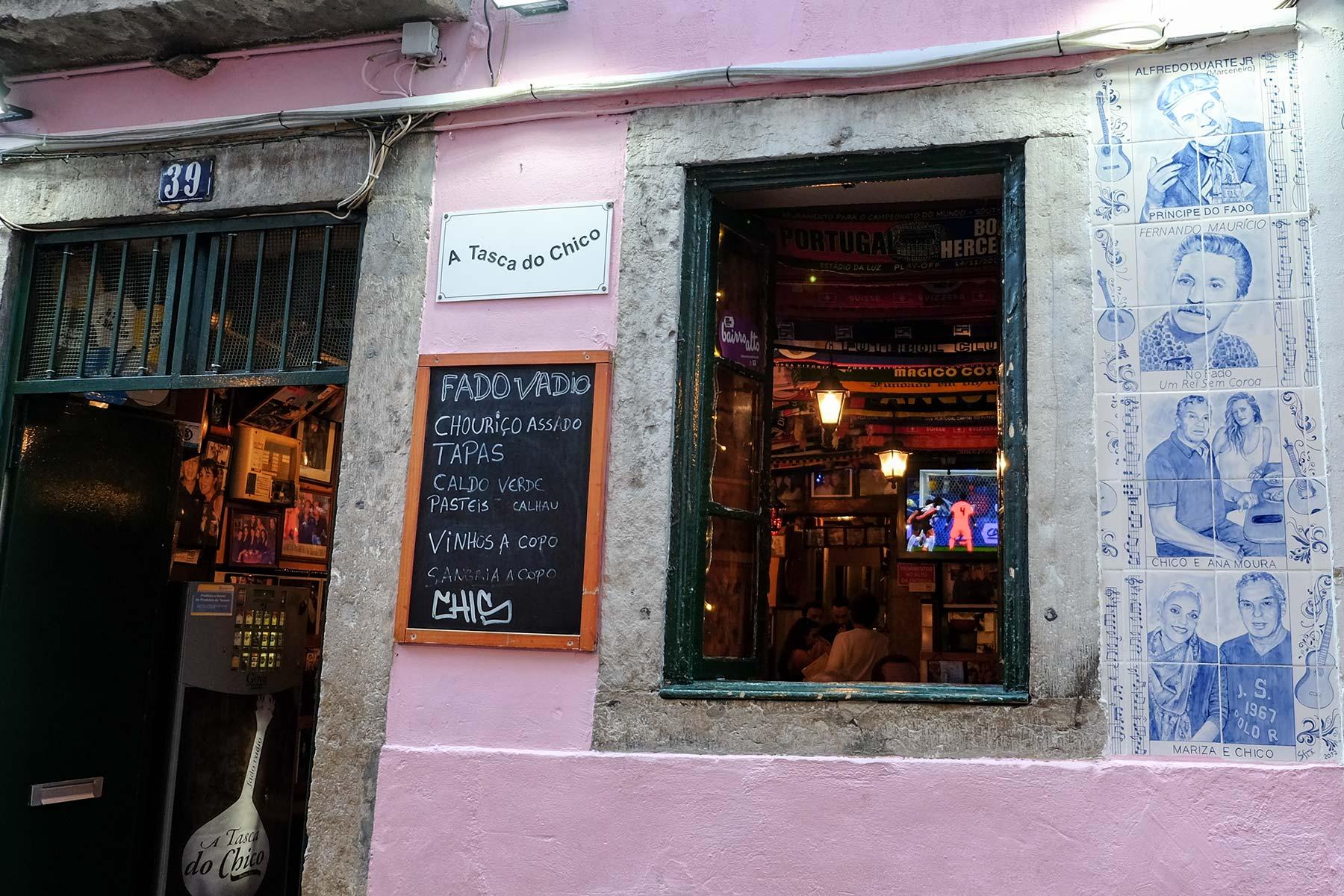 Live Fado Bar Tasca Do Chico in Lissabon, Portugal