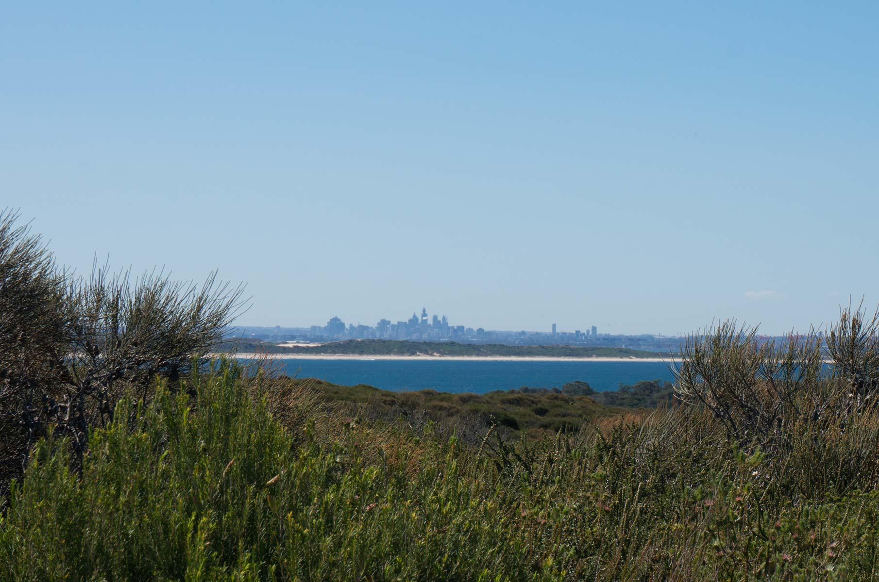 Blick auf Sydney aus dem Royal National Park, Australien