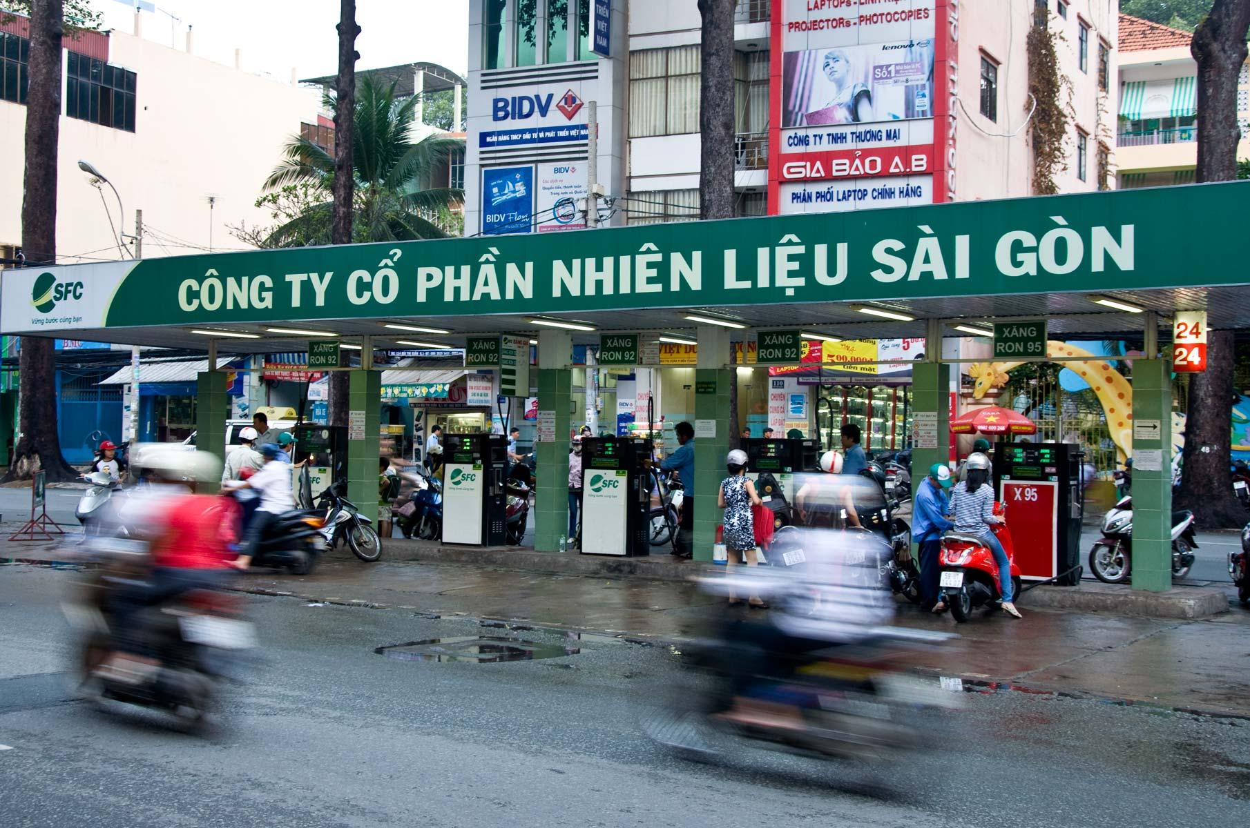 Tankstelle für Roller/Mopeds in Saigon (Ho-Chi-Minh Stadt), Vietnam