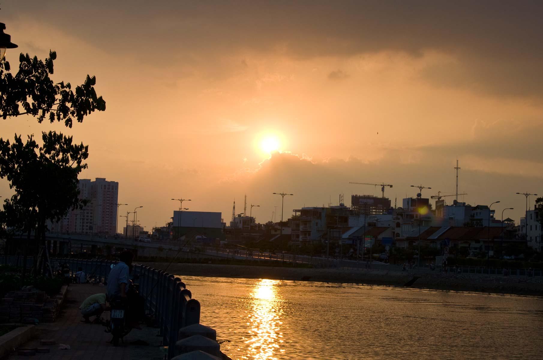 Sonnenuntergang in Saigon (Ho-Chi-Minh Stadt), Vietnam