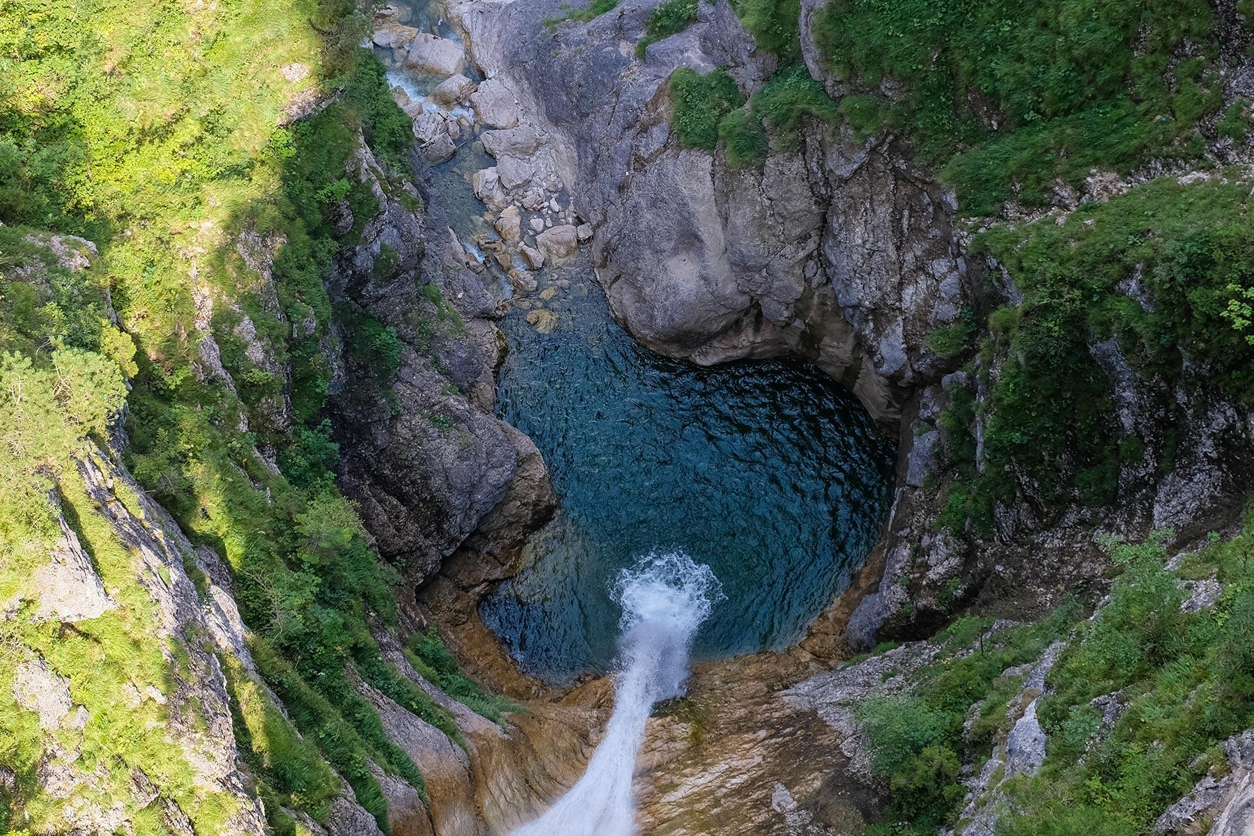 Wasserfall in der Pöllatschlucht unter der Marienbrücke