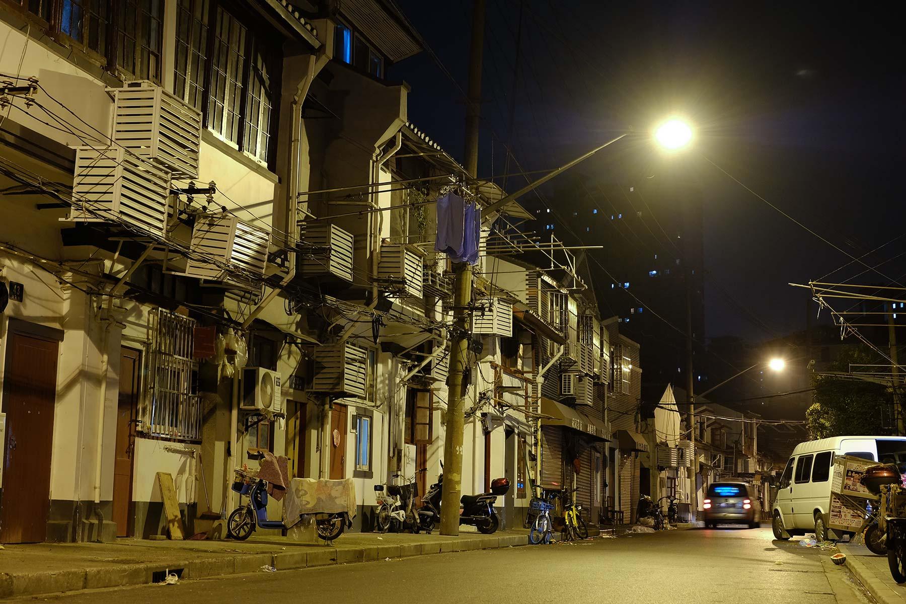 Shanghai Altstadt bei Nacht in der Gegend um Laoximen.