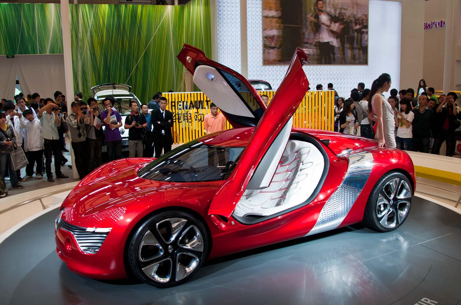 Renault DeZir Konzeptwagen auf der Auto Shanghai 2011 in China