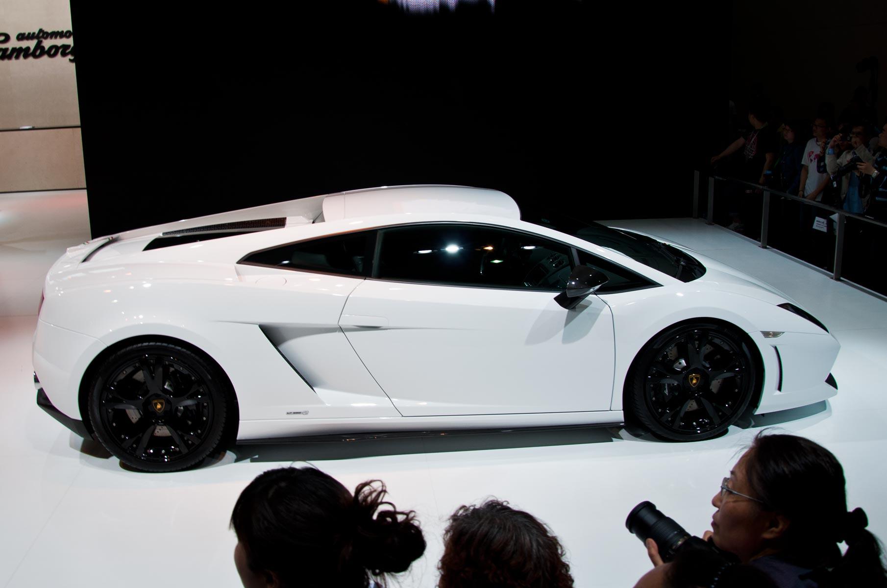 Weißer Lamborghini auf der Auto Shanghai 2011 in China