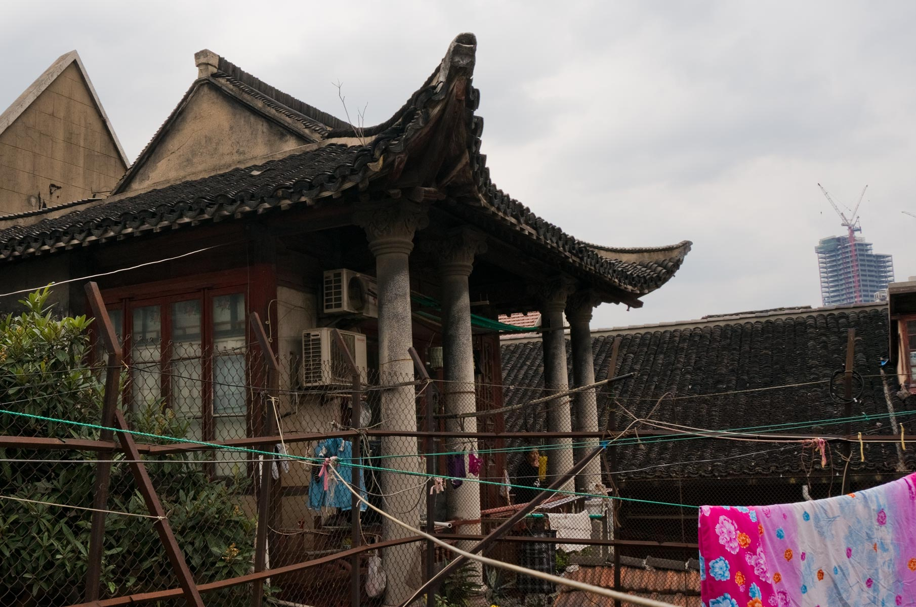 Kleiner privater Tempel in der Qiaojia Road in Shanghai, China