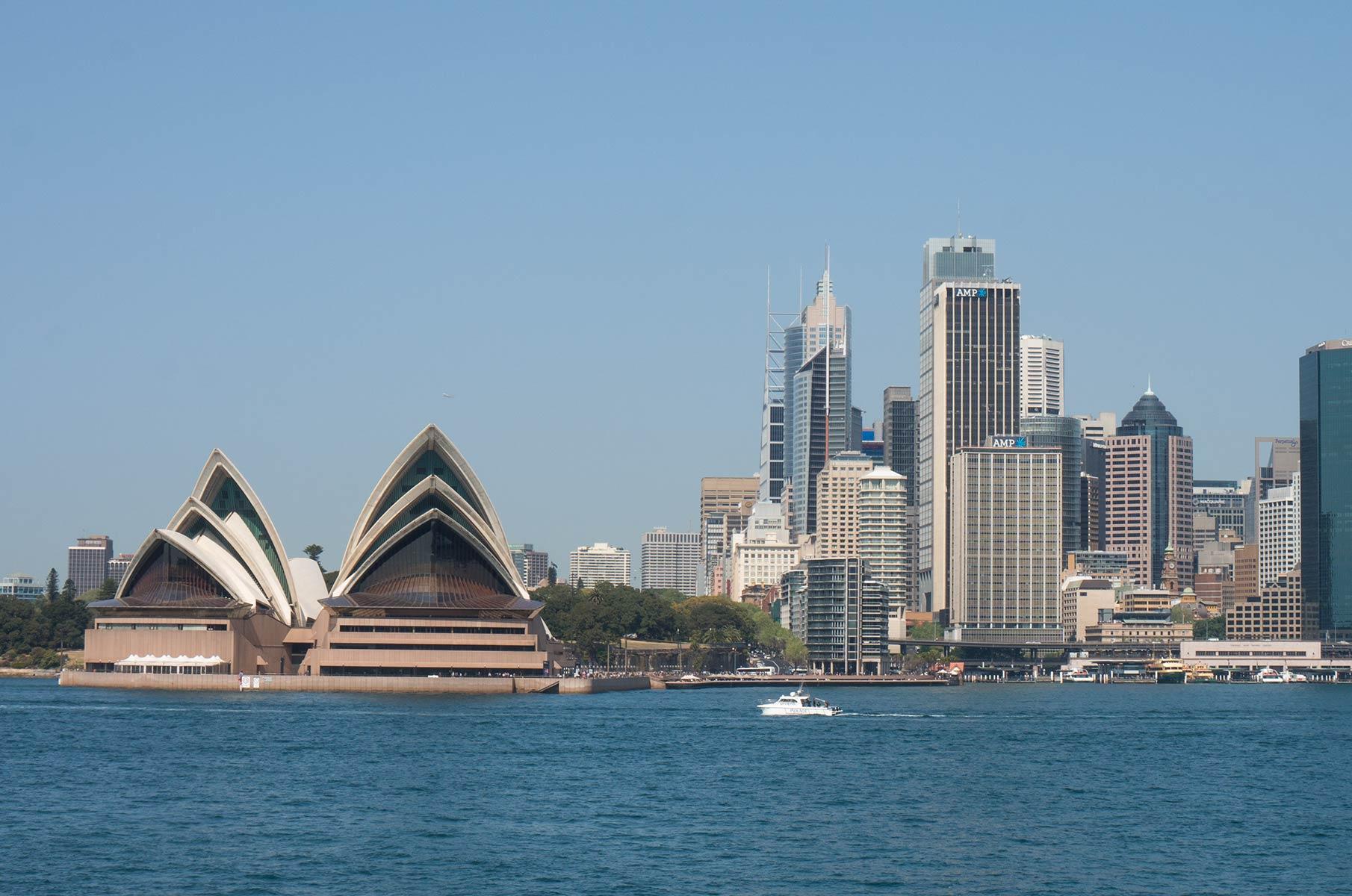 Blick vom Dr Mary Booth Lookout Reserve auf das Sydney Opera House Opernhaus in Sydney, Australien