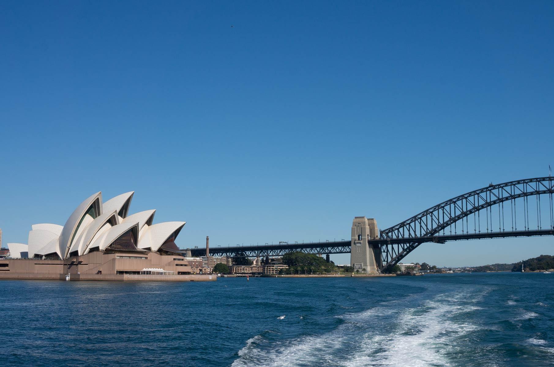 Fahrt mit dem Boot aus dem Hafen von Sydney, Australien