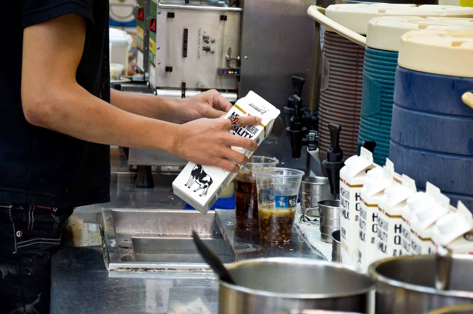 Milk Tea im Vergnügungsviertel Ximending in Taipei, Taiwan
