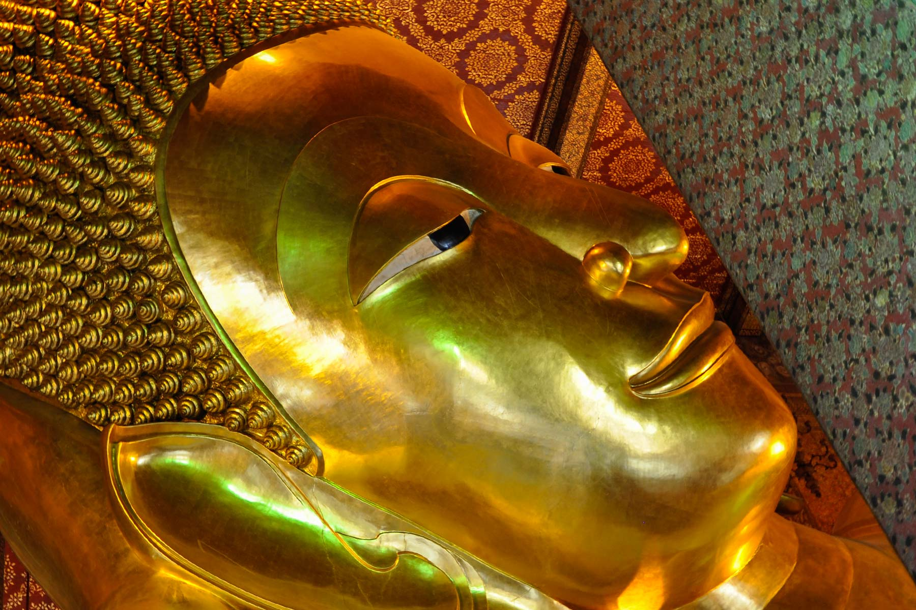Wat Pho – Temple of Reclining Buddha in Bangkok, Thailand