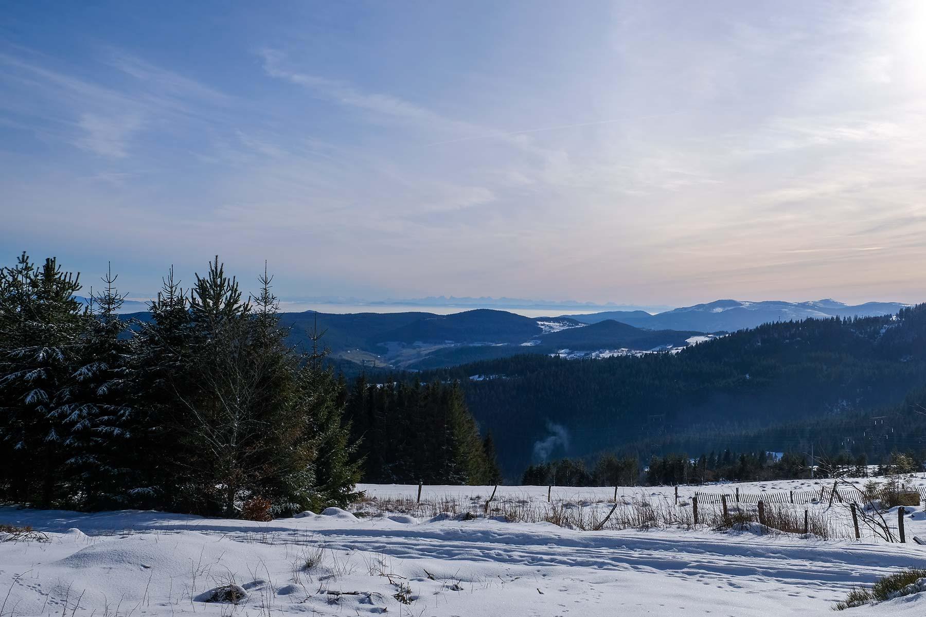 Blick auf die Alpen vom Col du Calvaire in den Vogesen